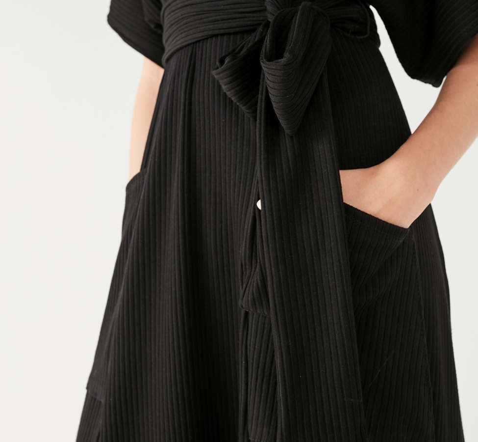 Slide View: 5: UO Ribbed Knit Plunging Midi Dress
