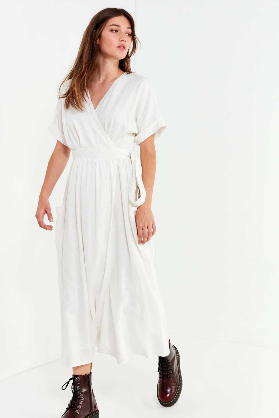Uo Gabrielle Linen Midi Wrap Dress Urban Outfitters Canada