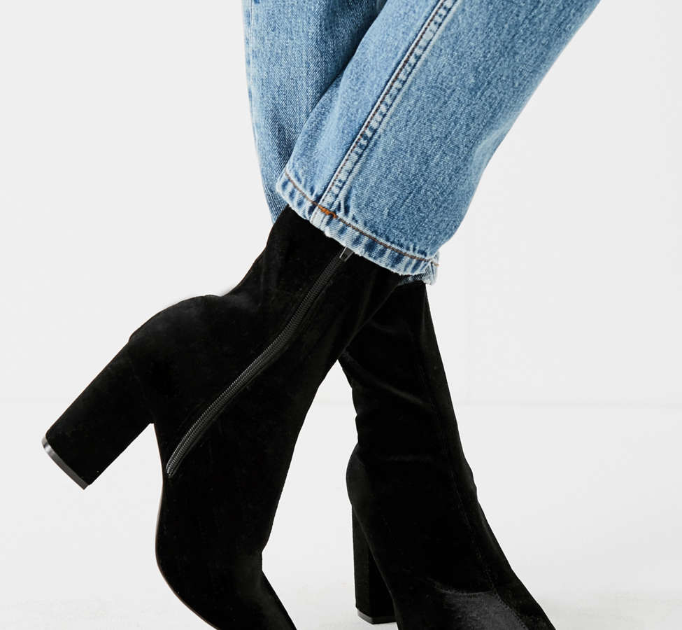 Slide View: 5: Velvet Glove Boot