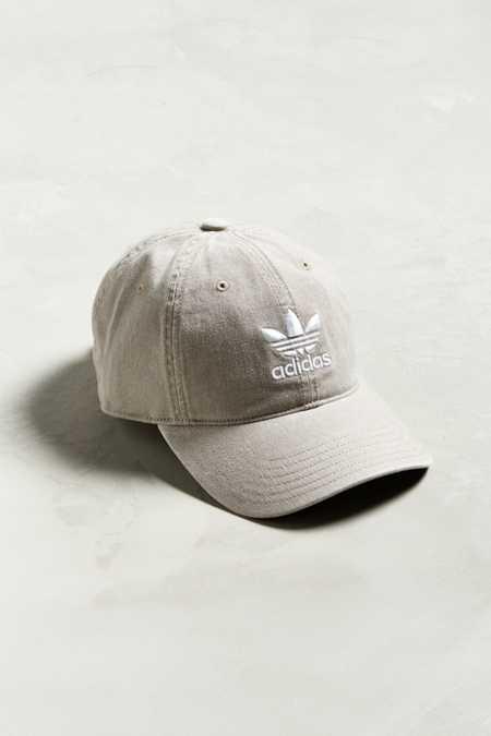 adidas uomini cappelli da urban outfitters
