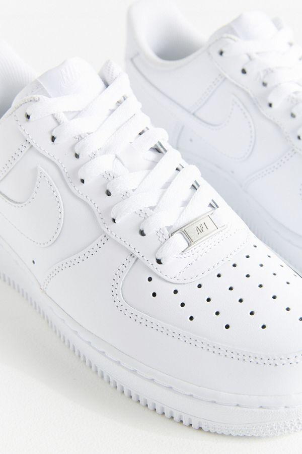 Slide View  5  Nike Air Force 1  07 Sneaker 37301f4347