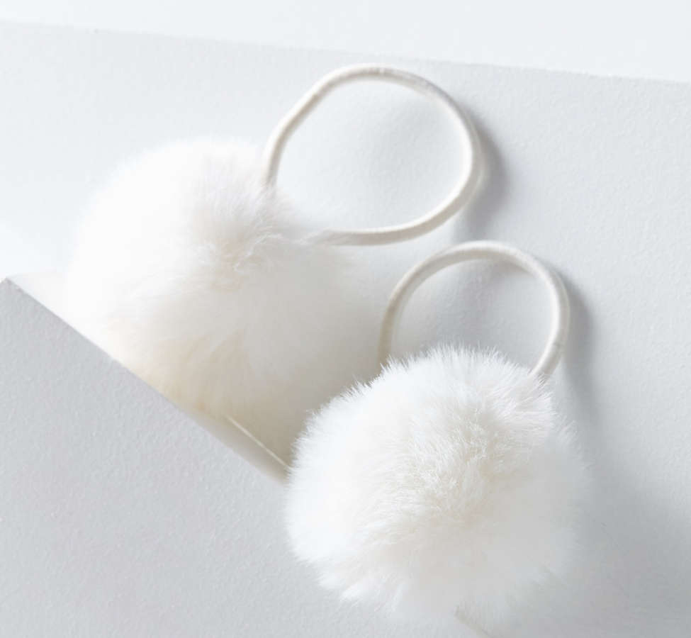 Slide View: 1: Pompom Ponytail Holder