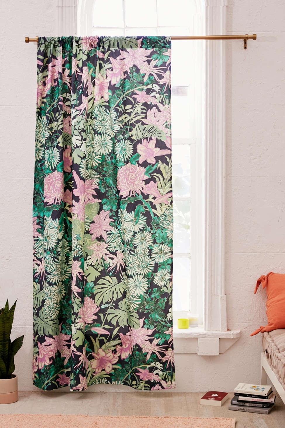 Slide View: 1: Laurel Kimono Floral Blackout Window Curtain