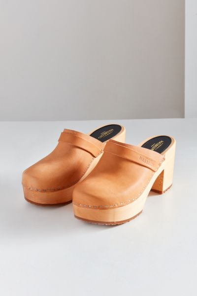 Swedish Hasbeens Louise Leather Clog - Honey 36 at Urban Outfitters