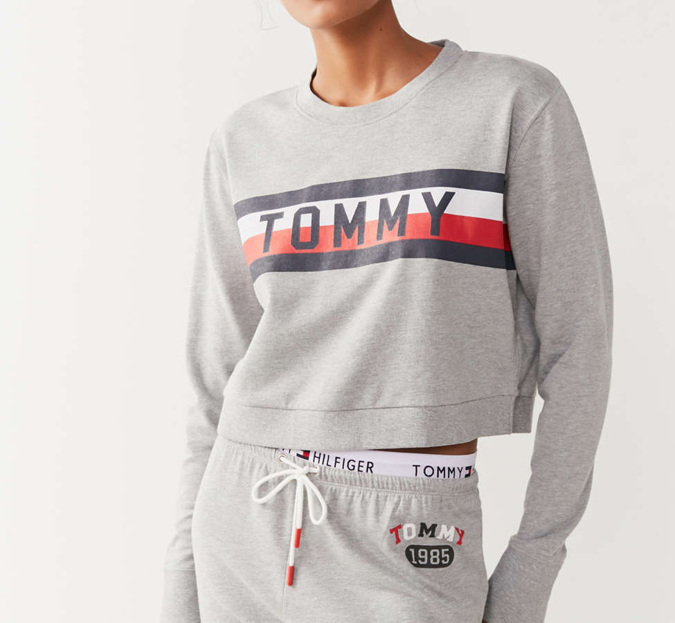 Slide View: 1: Tommy Hilfiger X UO Global Stripe Crew-Neck Sweatshirt