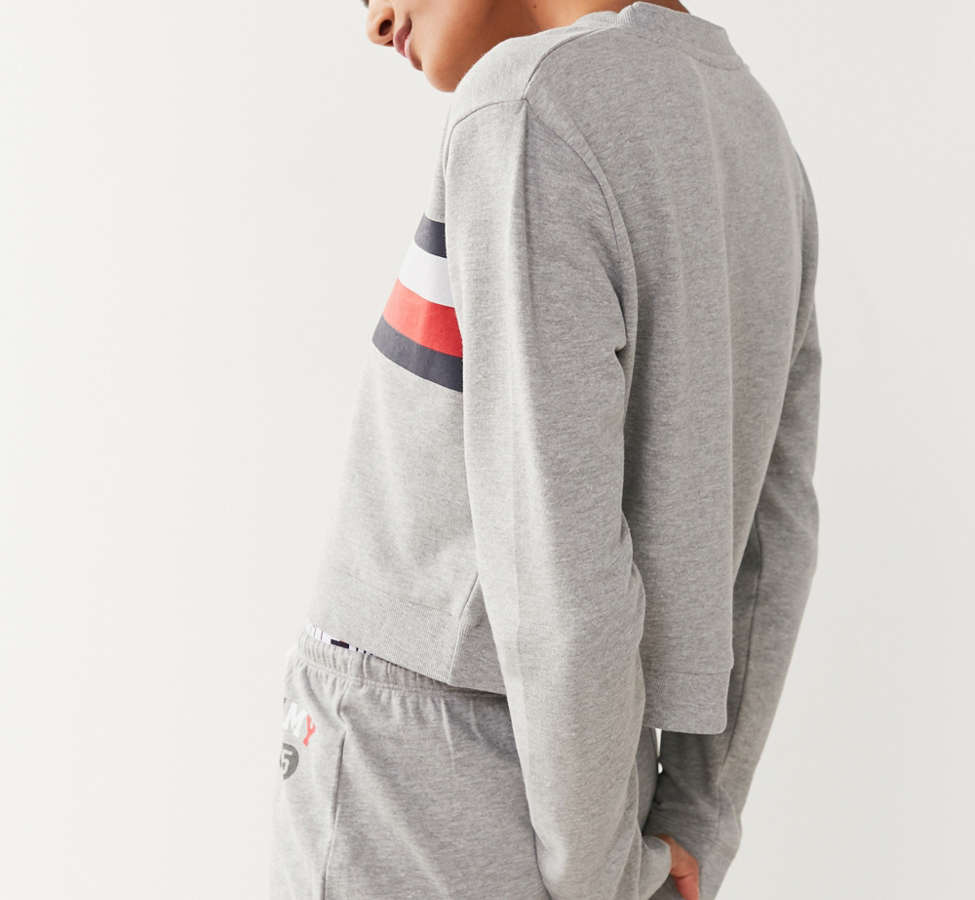 Slide View: 4: Tommy Hilfiger X UO Global Stripe Crew-Neck Sweatshirt