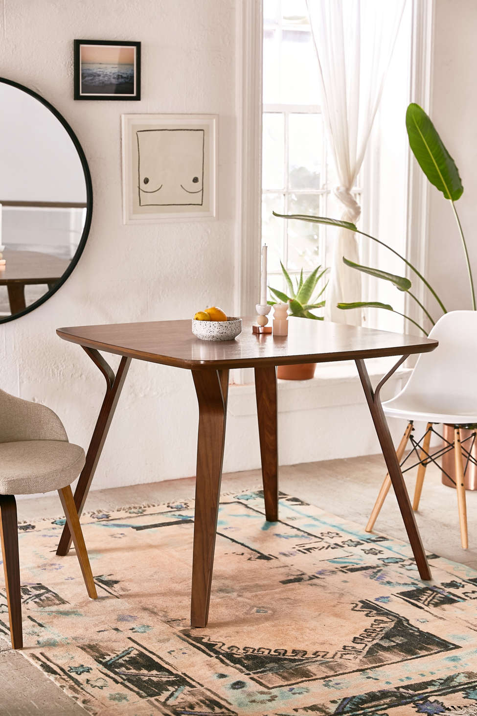 Slide View: 1: Foila Dining Table