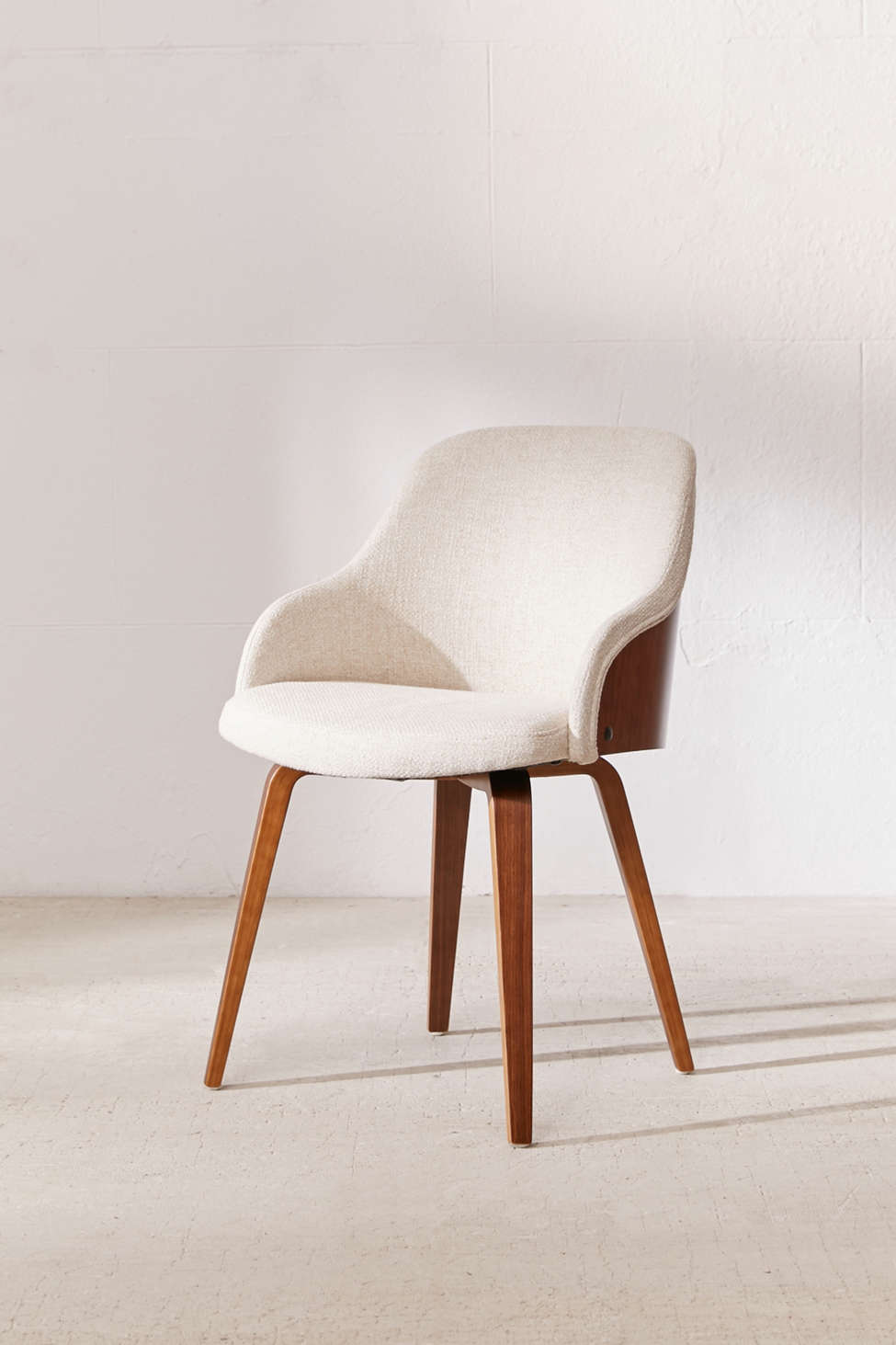 Slide View: 1: Bacci Chair