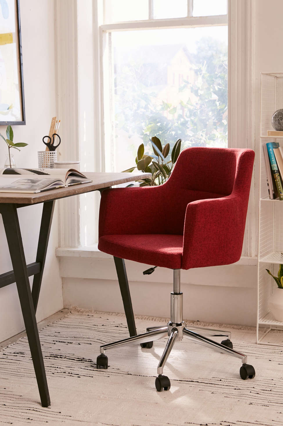 Slide View: 1: Andrew Adjustable Desk Chair