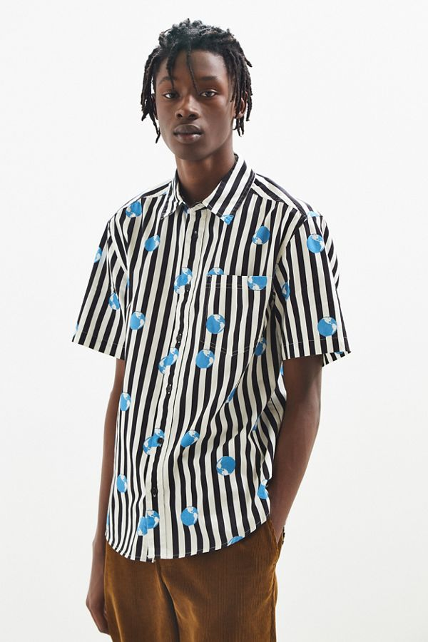 UO Globe Stripe Short Sleeve Button-Down Shirt | Urban Outfitters