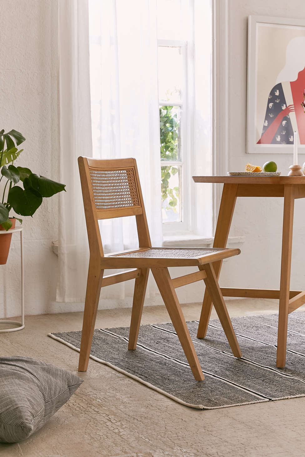 Perfect Marte Dining Chair   Urban Outfitters GJ82
