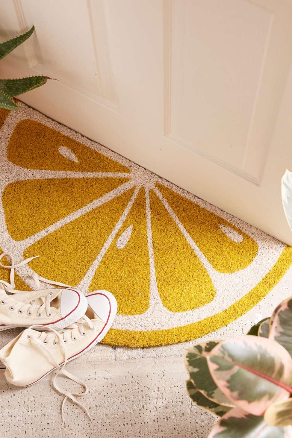 Slide View: 2: Sunnylife Lemon Doormat