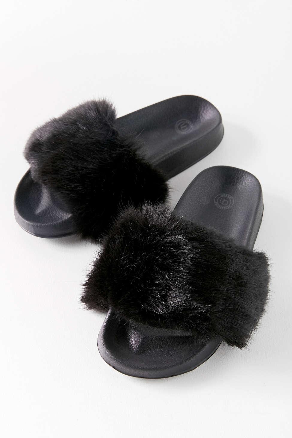 Slide View: 1: UO Faux Fur Slide