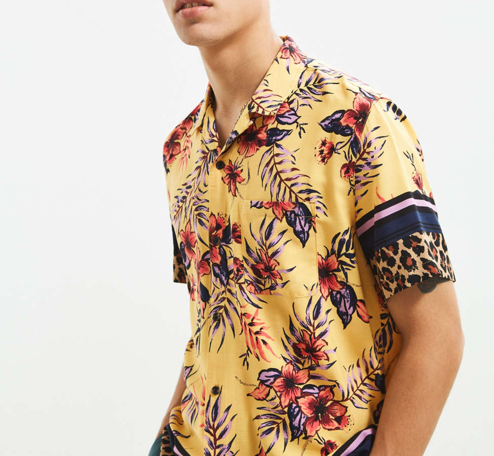 Slide View: 3: UO Floral + Leopard Rayon Short Sleeve Button-Down Shirt