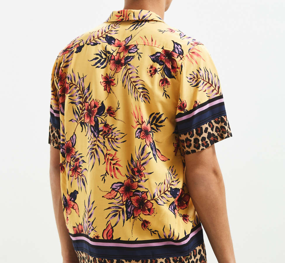 Slide View: 5: UO Floral + Leopard Rayon Short Sleeve Button-Down Shirt