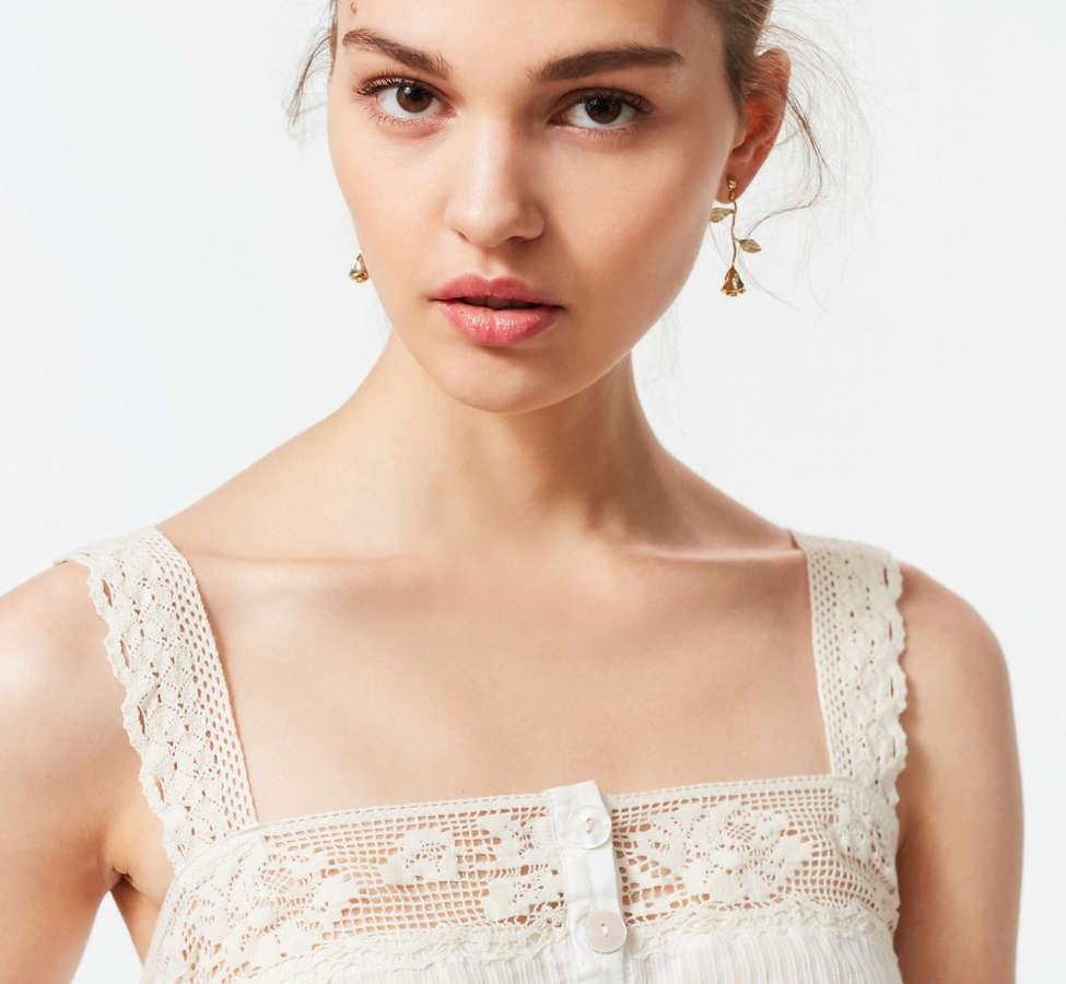 Slide View: 5: UO Jilly Ann Button-Down Lace Cami