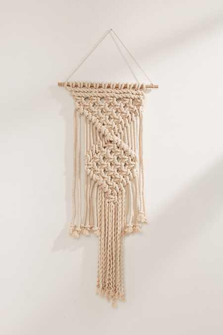 Macramé rope wall hanging