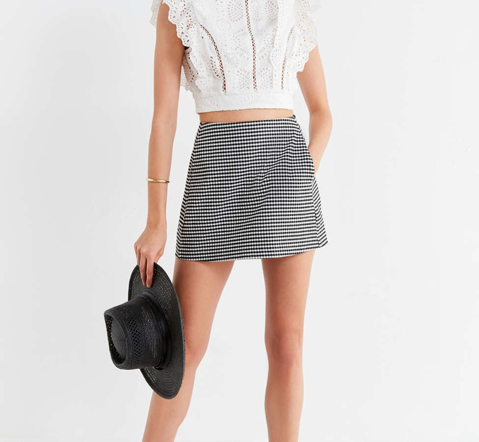 Slide View: 3: ASTR The Label Connie Lace Cropped Top