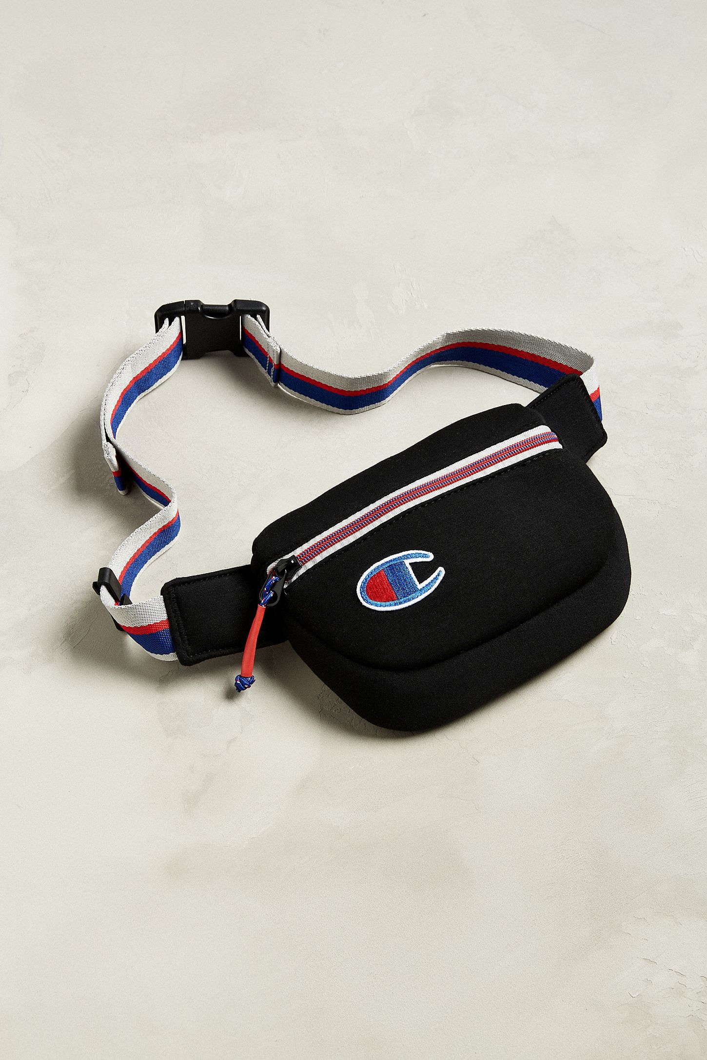 6d3080473a8d Champion Attribute Sling Bag