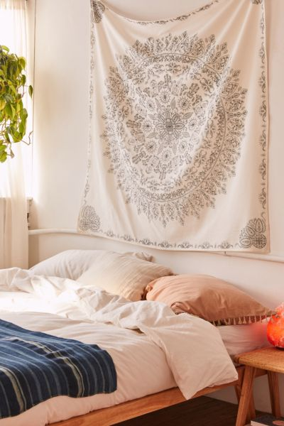 Juniper Medallion Tapestry  - Ivory One Size at Urban Outfitters