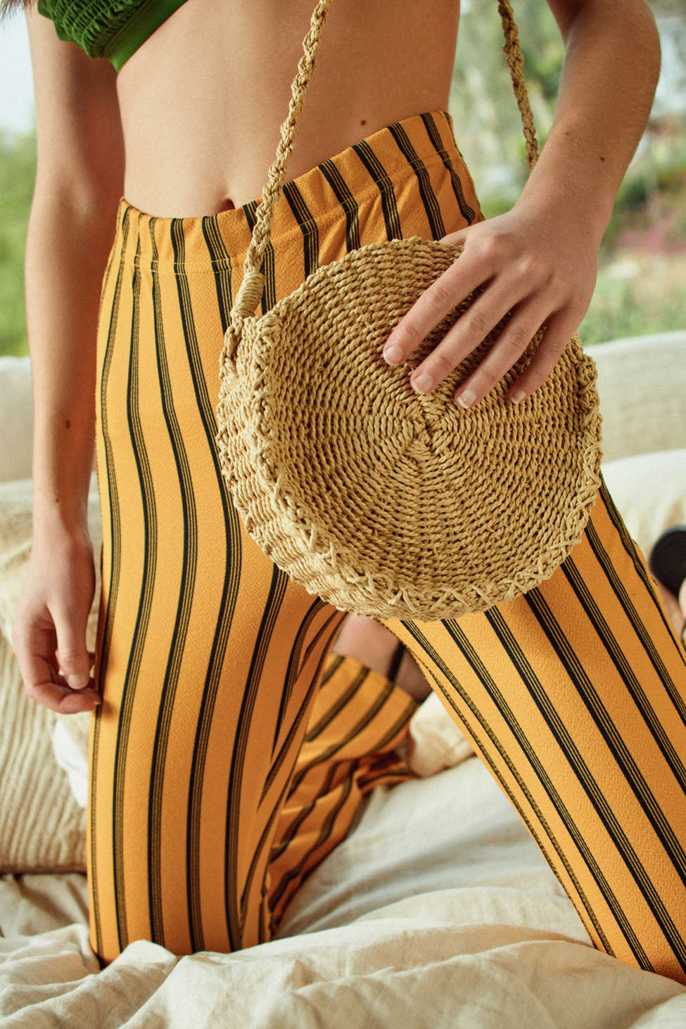 Small Circle Straw Round Crossbody Bag Urban Outfitters