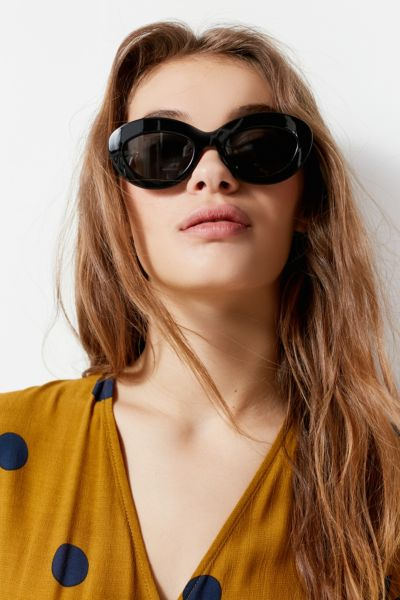 Le Specs Fluxus Oval Sunglasses - Black One Size at Urban Outfitters