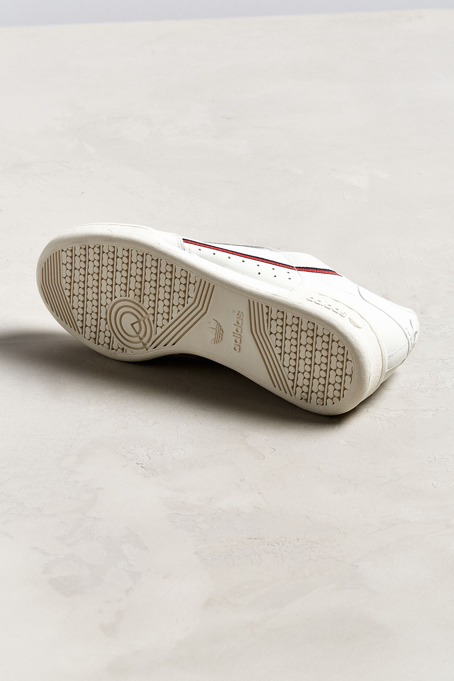 big sale 8fcac a9d87 Canada Cream Urban Outfitters Sneaker Xwyyvi7 80 Adidas Continental Btw5w