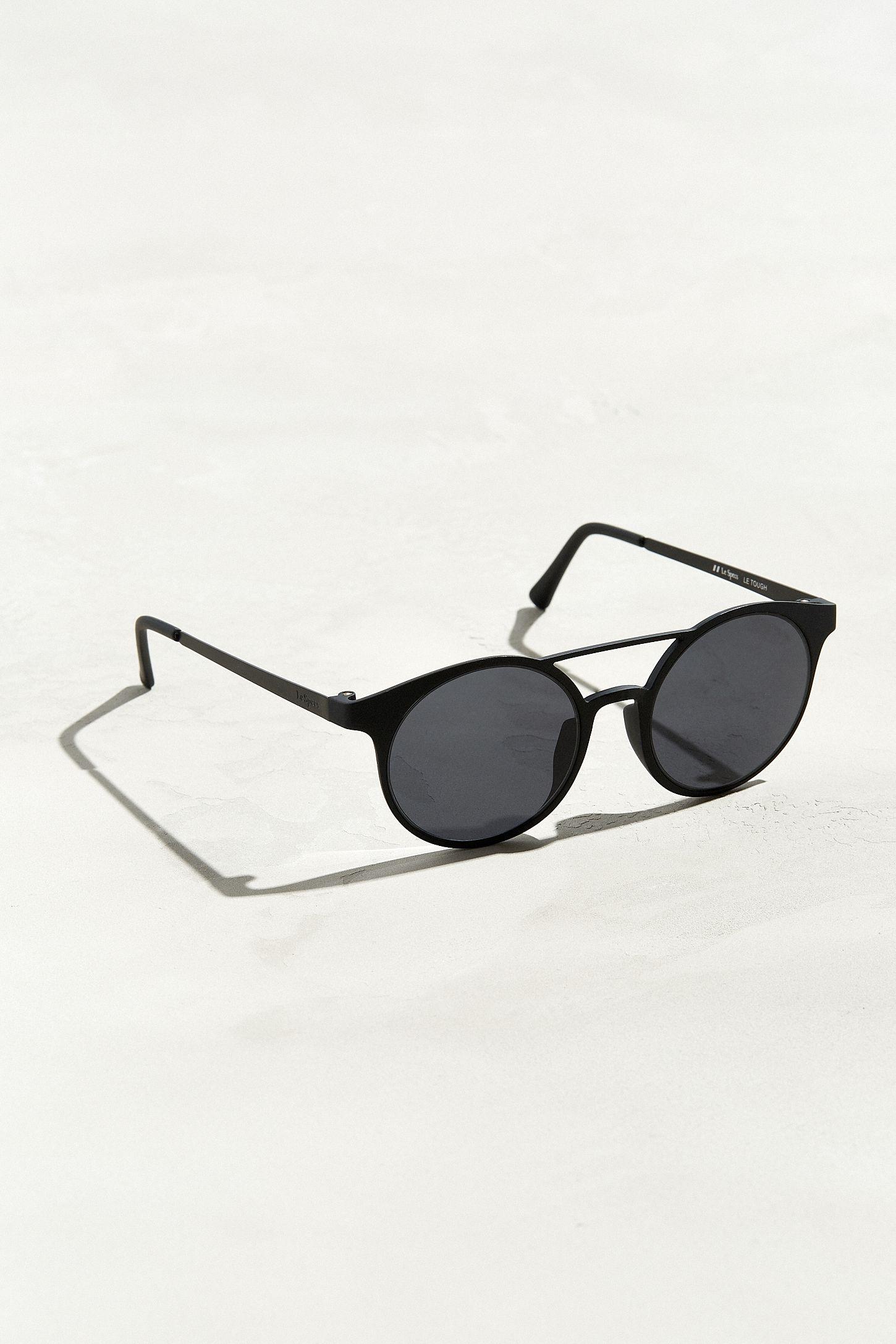 c714aa3c8330f1 Lunettes de soleil Demo Mode Le Specs   Urban Outfitters Canada