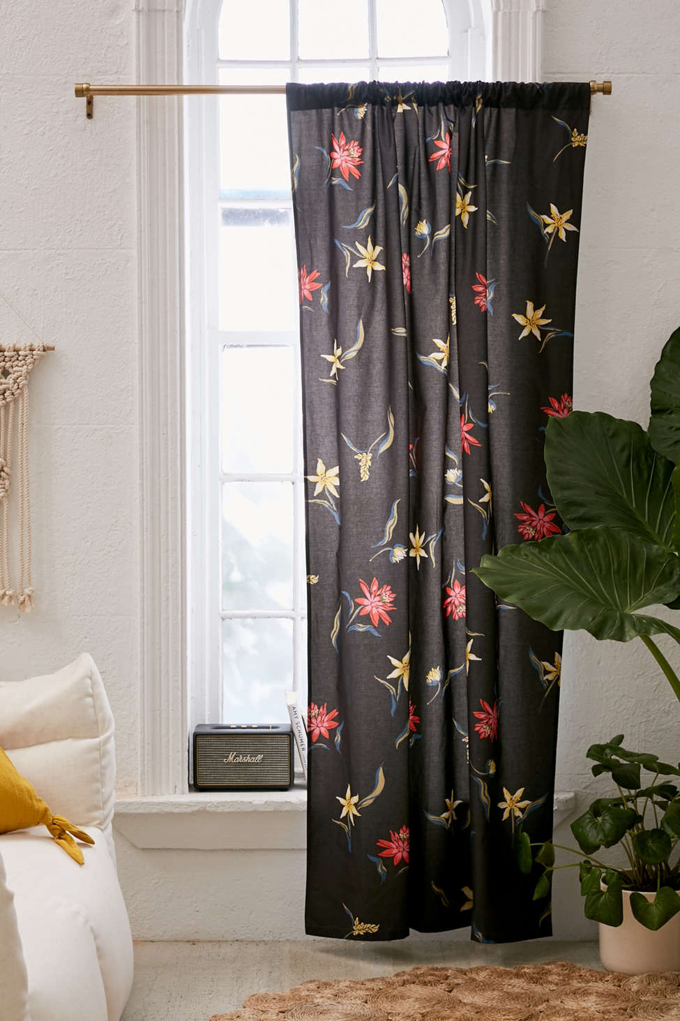 Slide View: 1: Tossed Topical Floral Blackout Curtain