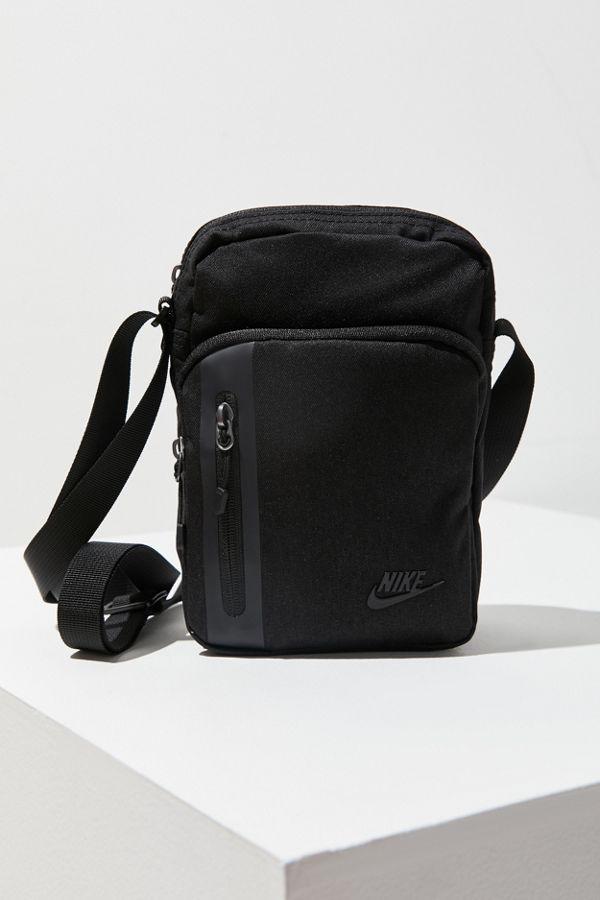 Slide View 2 Nike Small Tech Crossbody Bag
