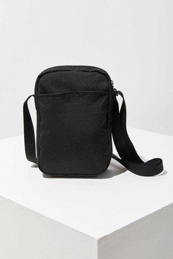Slide View 4 Nike Small Tech Crossbody Bag