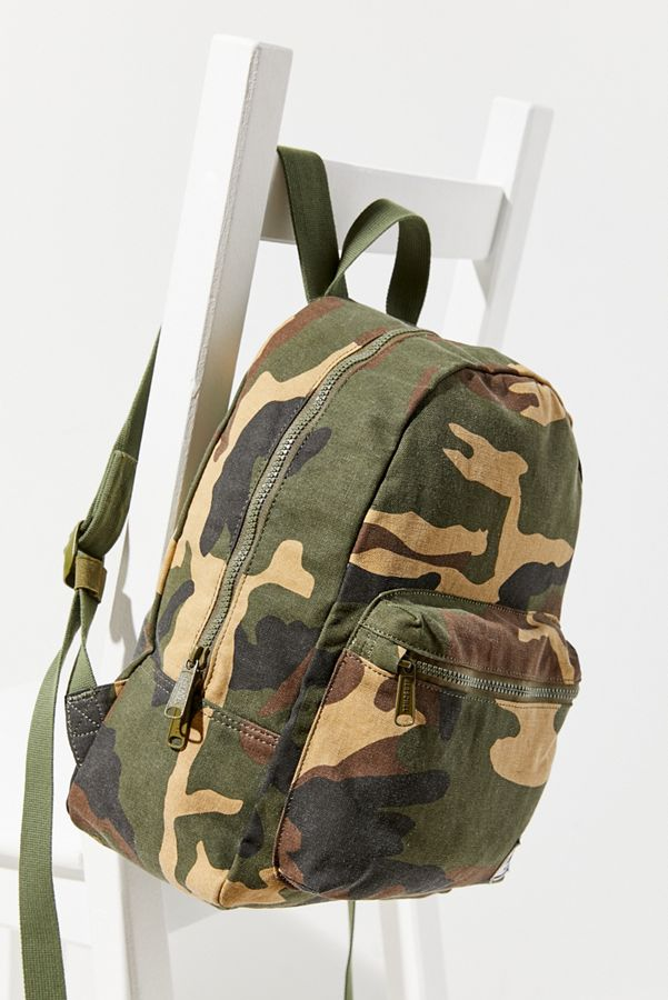 5407dd8fcec Slide View  1  Herschel Supply Co. Grove X-Small Camo Backpack