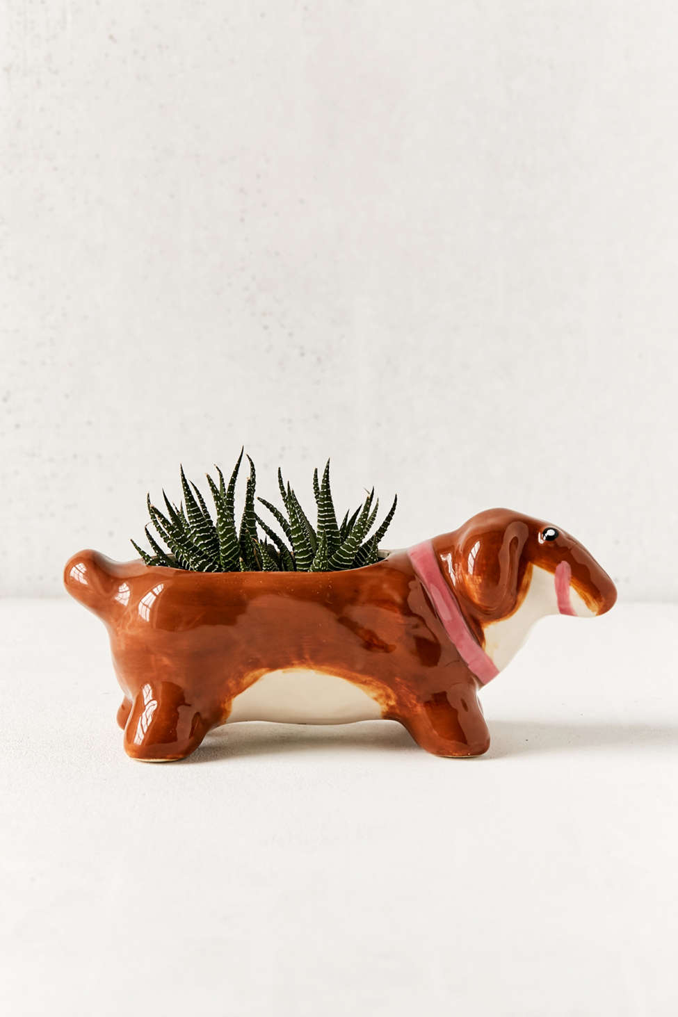 Slide View: 1: Winnie Dog Planter