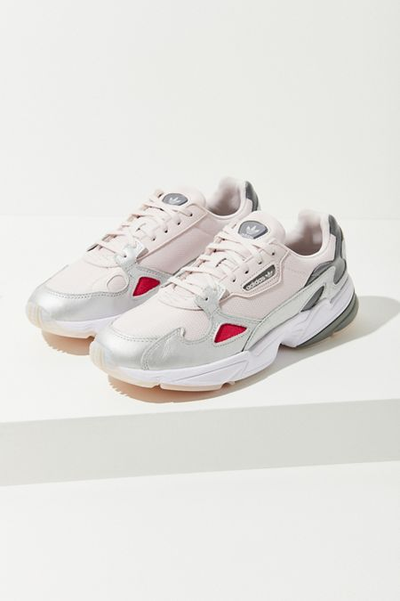 d9979c0c15140 Women s Sneakers   Urban Outfitters