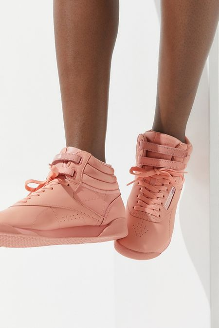 fcdab36280a Size 5 - Urban Outfitters Promo Offers + Featured Products