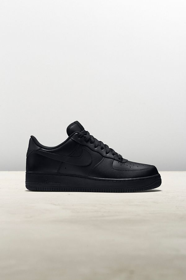 Slide View: 1: Nike Air Force 1 '07 Sneaker