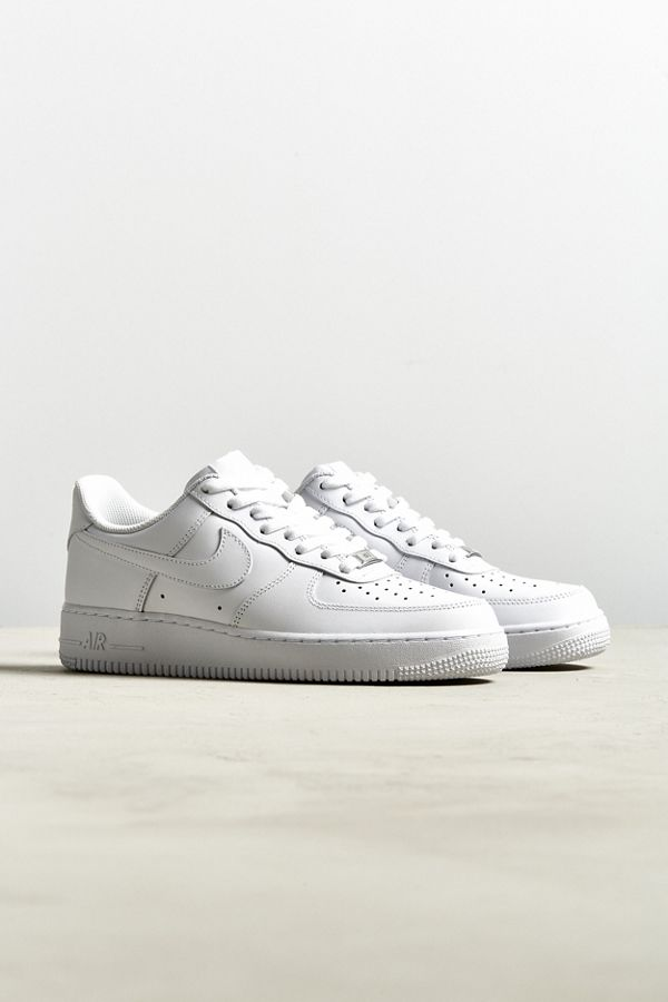 get cheap b7fa6 5065c ... australia urban outfitters slide view 1 nike air force 1 07 sneaker  c875a f6f52
