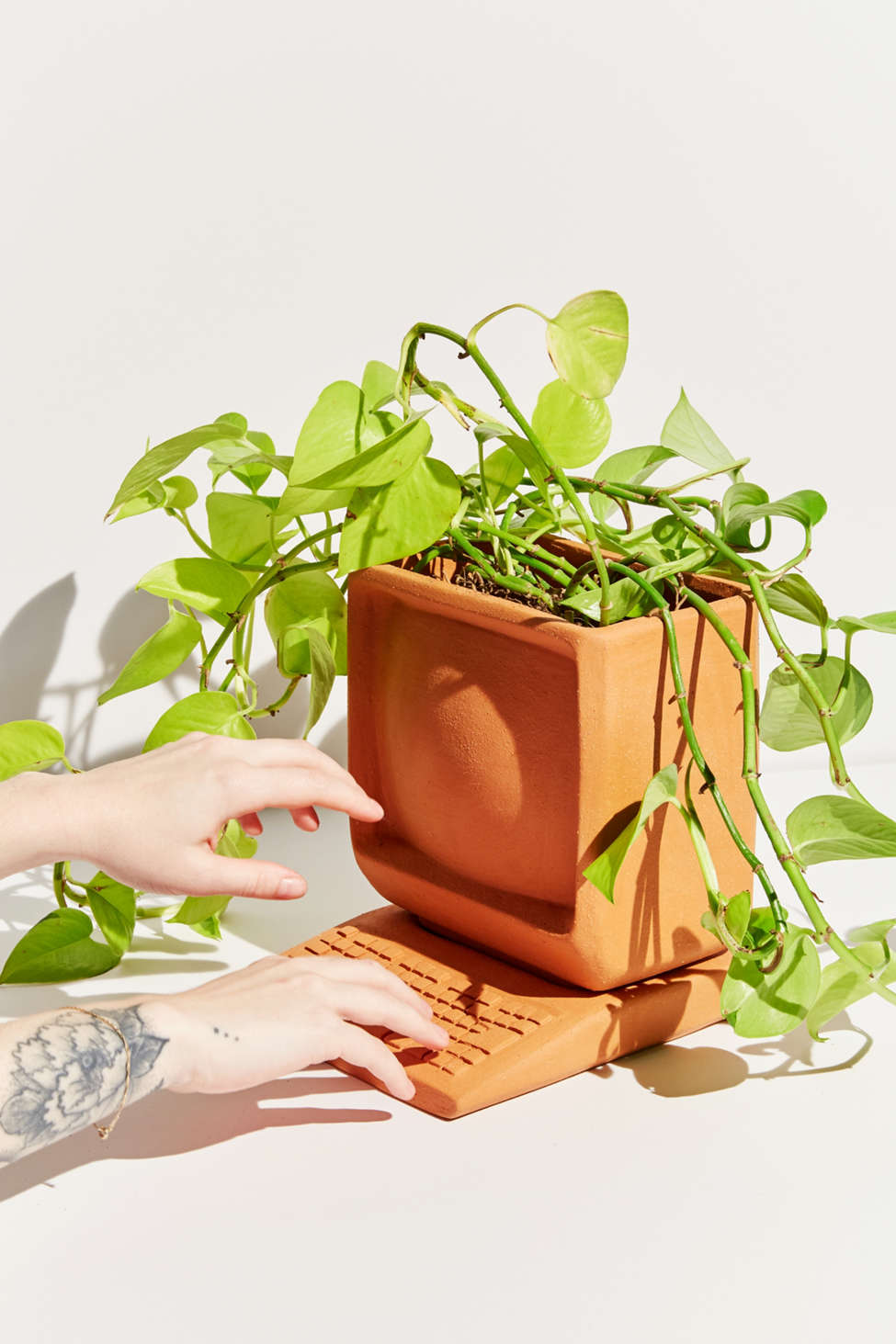 Slide View: 1: Wyatt Little Computer Planter