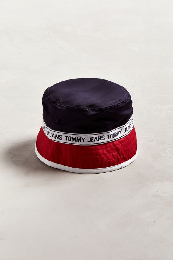 Tommy Jeans Logo Bucket Hat  23acb60a170