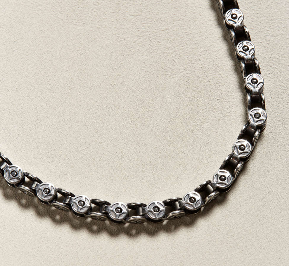 Slide View: 1: Riakoob Small Circular Chain Necklace