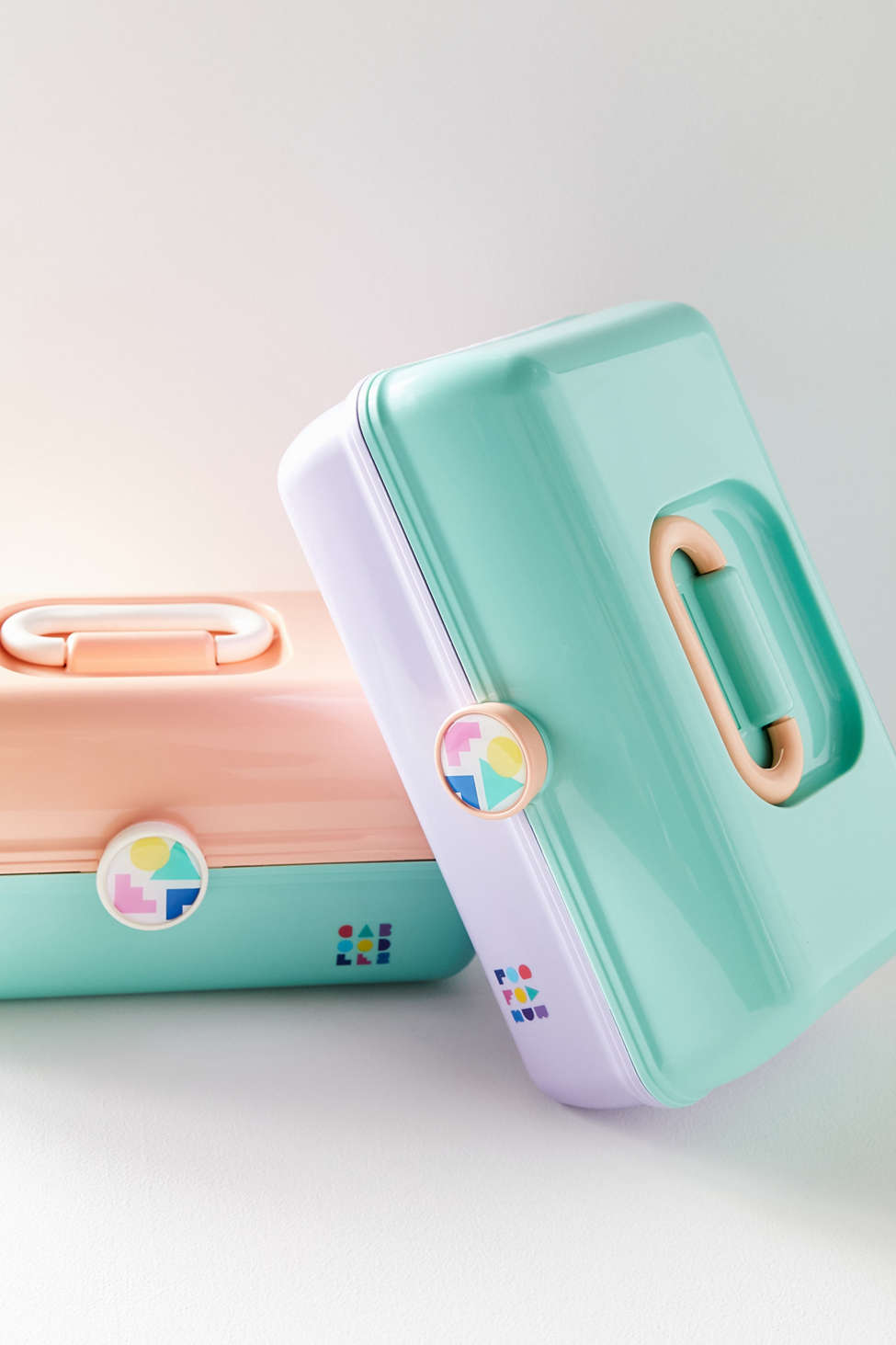 Slide View: 2: Caboodles On-The-Go Girl Makeup Case
