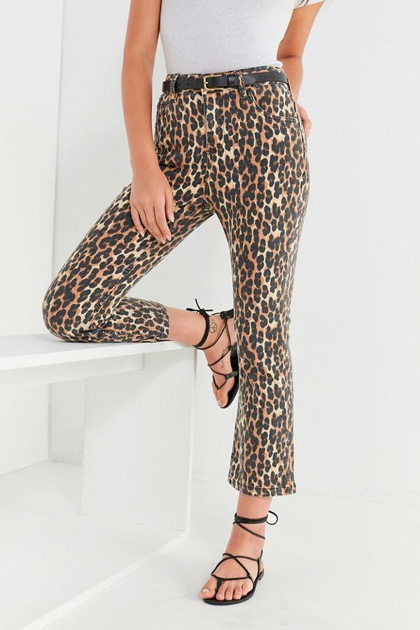 Slide View: 1: BDG Kick Flare High-Rise Cropped Jean – Leopard