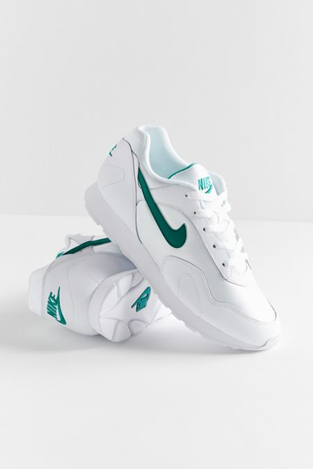 nike shoes old school hard leather body 070 906096
