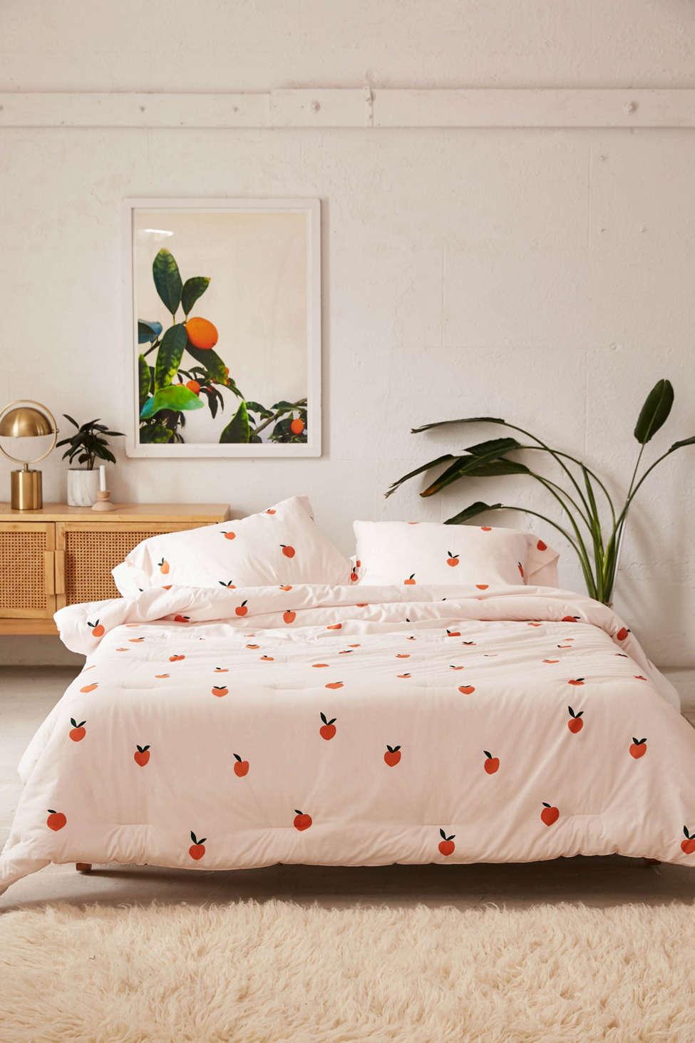 Slide View: 1: Peaches Comforter Snooze Set