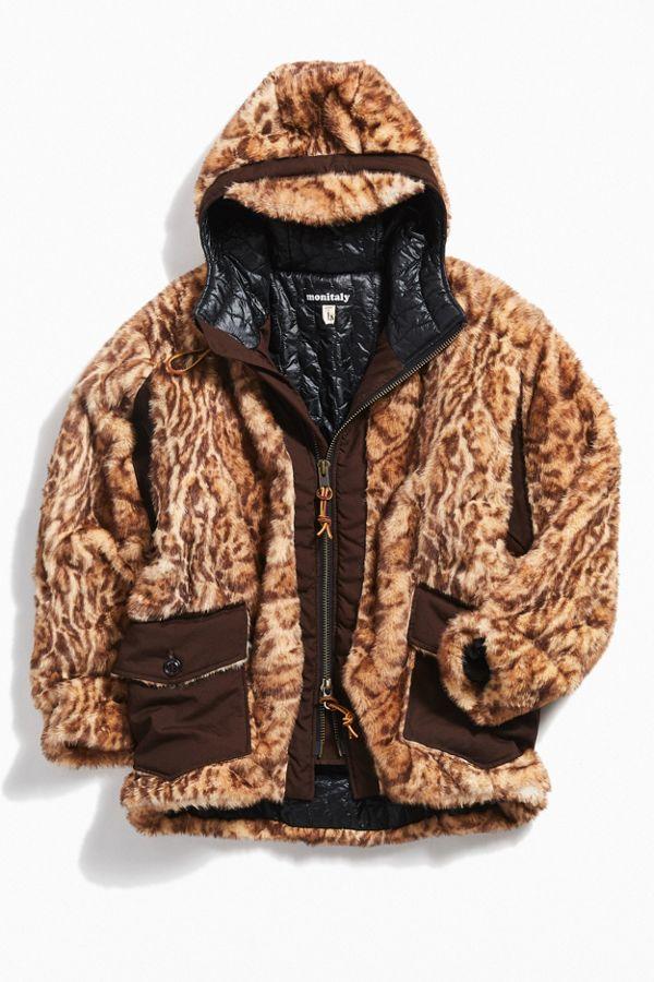 a1ce2fdf83917 Manteau en fausse fourrure Monitaly   Urban Outfitters Canada