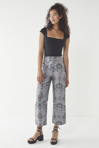 6c16aa115f5a2 uo-juliet-cropped-jacquard-pant by urban-outfitters