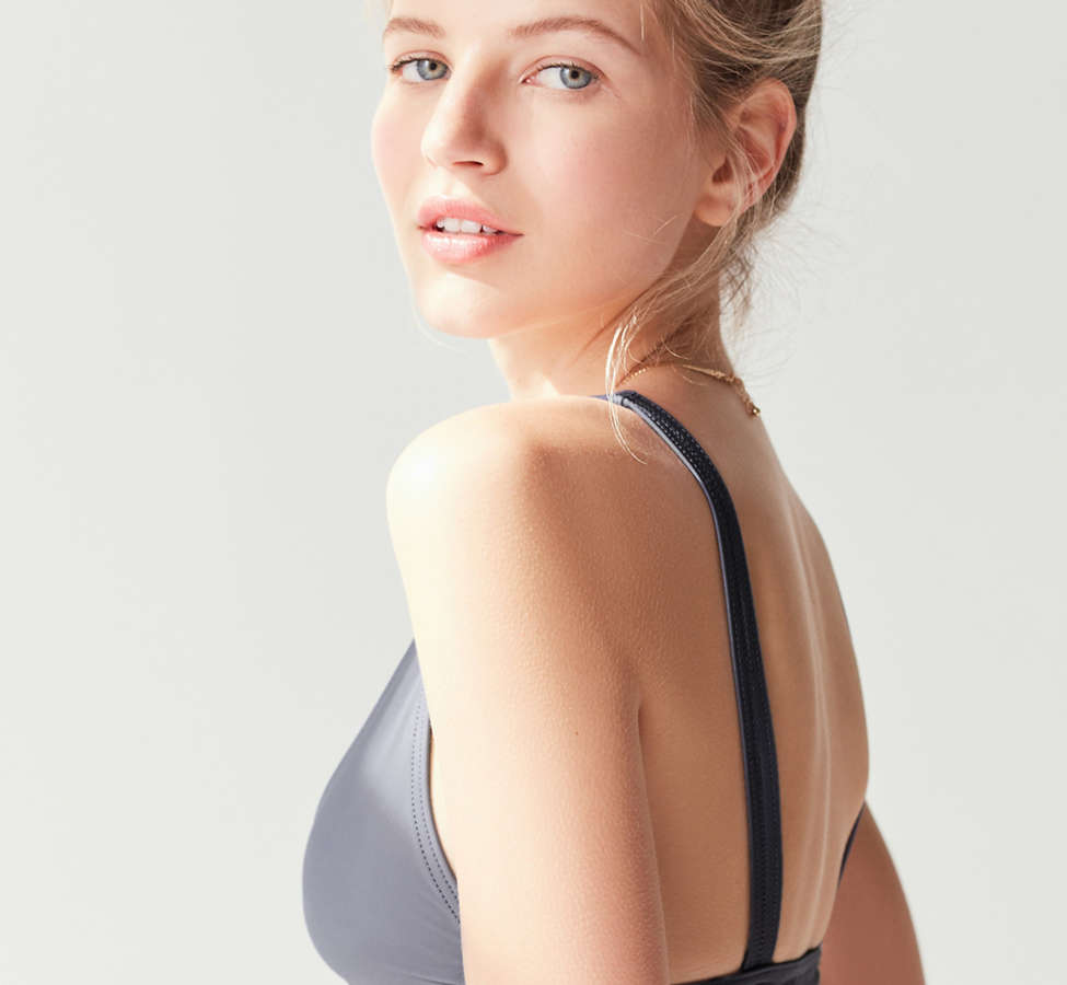 Slide View: 4: GNASH swim X UO Triangle Bikini Top