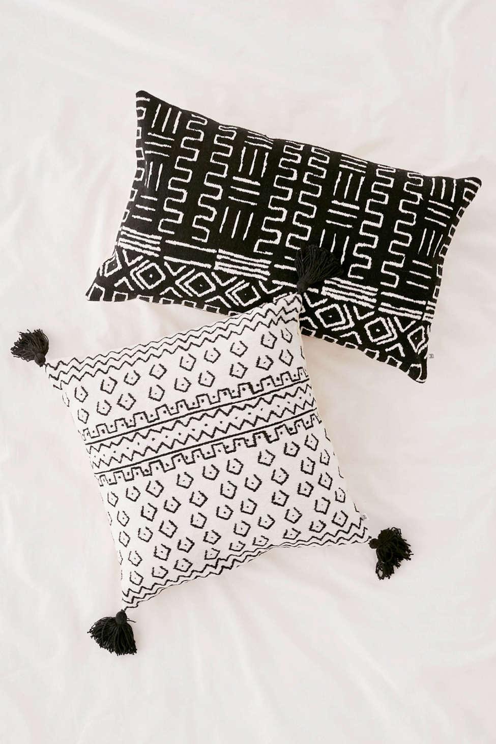 Slide View: 3: Etra Tassel Throw Pillow