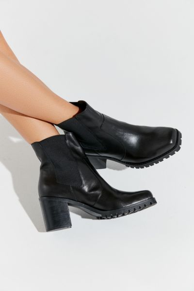 Uo Alex Square Toe Chelsea Boot by Urban Outfitters