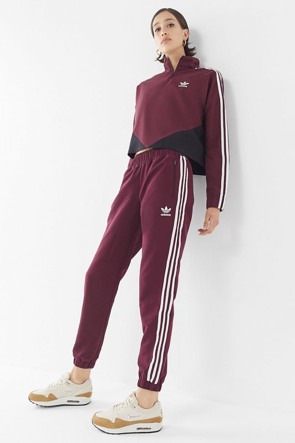 adidas Originals CLRDO 3 Stripes Jogger Pant  0499ab4174
